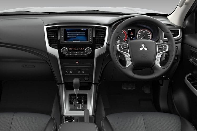 Mitsubishi L200 Pick Up Double Cab 4wd 2.2 DI-D 4WD 150PS Barbarian + Pickup Double Cab Manual [Start Stop] inside view