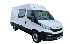 Iveco Daily Crew Van 35S 4100 2.3 D HPI 14V RWD 136PS Business Crew Van High Roof Manual [Start Stop]